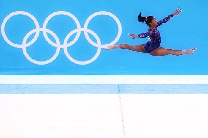 В последнюю неделю июля гимнастка Симона Байлс отказалась от участия в Олимпийских играх в Токио из-за проблем с психическим и физическим здоровьем. Argentina.gob.ar / Wikipedia