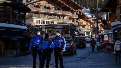 Полицейские Швейцарии пригрозили прекратить соблюдение ограничений из-за COVID-19