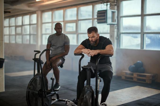 То, как мы думаем, что наши уровни физических упражнений сравниваются с другими, может повлиять на наш риск смерти, помимо нашего фактического уровня физической активности. (Изображения фламинго / Shutterstock) | Epoch Times Россия