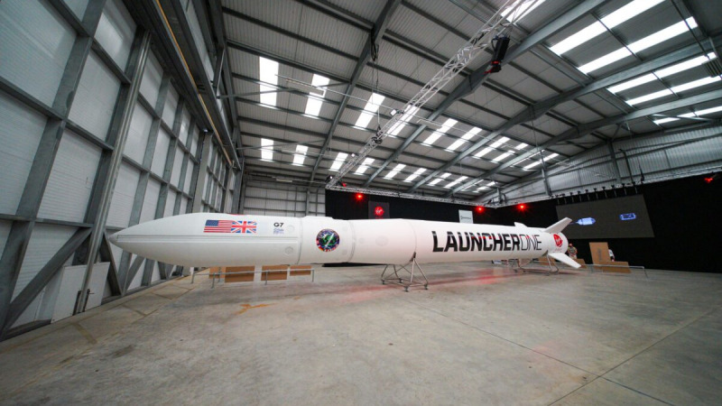 Ракета Virgin Orbit Launcher One выставлена на показ в космопорте Корнуолла в Ньюквее, Англия, 2 августа 2021 года. (Hugh Hastings/Getty Images)  | Epoch Times Россия