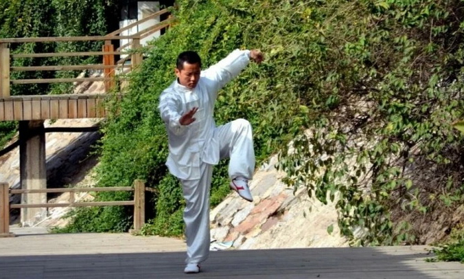 Боевые искусства приносят пользу для физического и психического здоровья. (Image:<a href=
