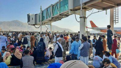 Более 60 стран призвали «Талибан» разрешить иностранцам и афганцам безопасный выезд из Кабула
