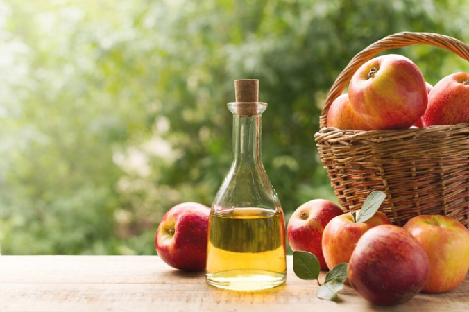 Достаточно одной столовой ложки яблочного уксуса в день, чтобы ощутить пользу для здоровья. (Денира / Shutterstock)   Epoch Times Россия