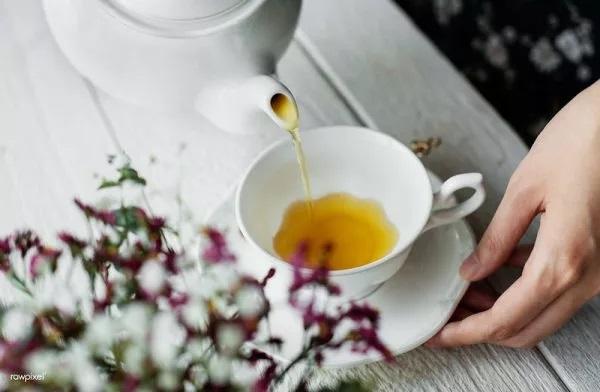 Правильное употребление чая повышает его полезные свойства. (Изображение: Ake via Rawpixel)