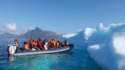 Впервые в истории в горах Гренландии пошёл дождь