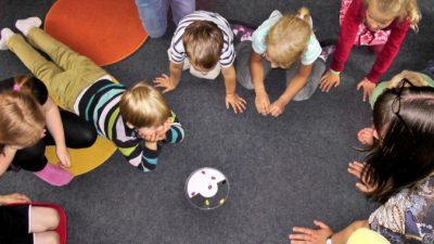В Москве снизили возраст детей для приёма в детсады