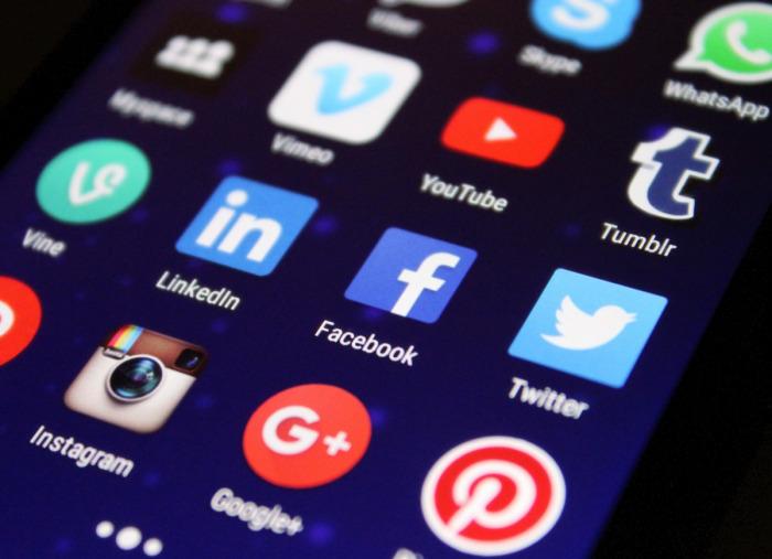 Суд Москвы оштрафовал Twitter, Facebook и WhatsApp на 36 млн рублей