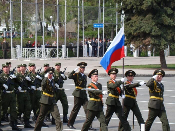 Путин подписал приказ о выплате военным по 15 тысяч рублей