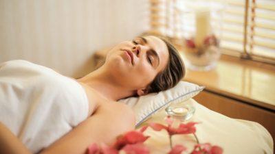 Аппаратный массаж лица поможет сократить морщины