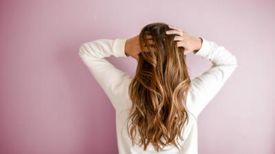 Наращивание волос и его особенности