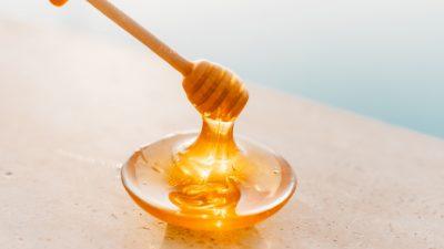 Мёд в домашней косметике: польза или вред?