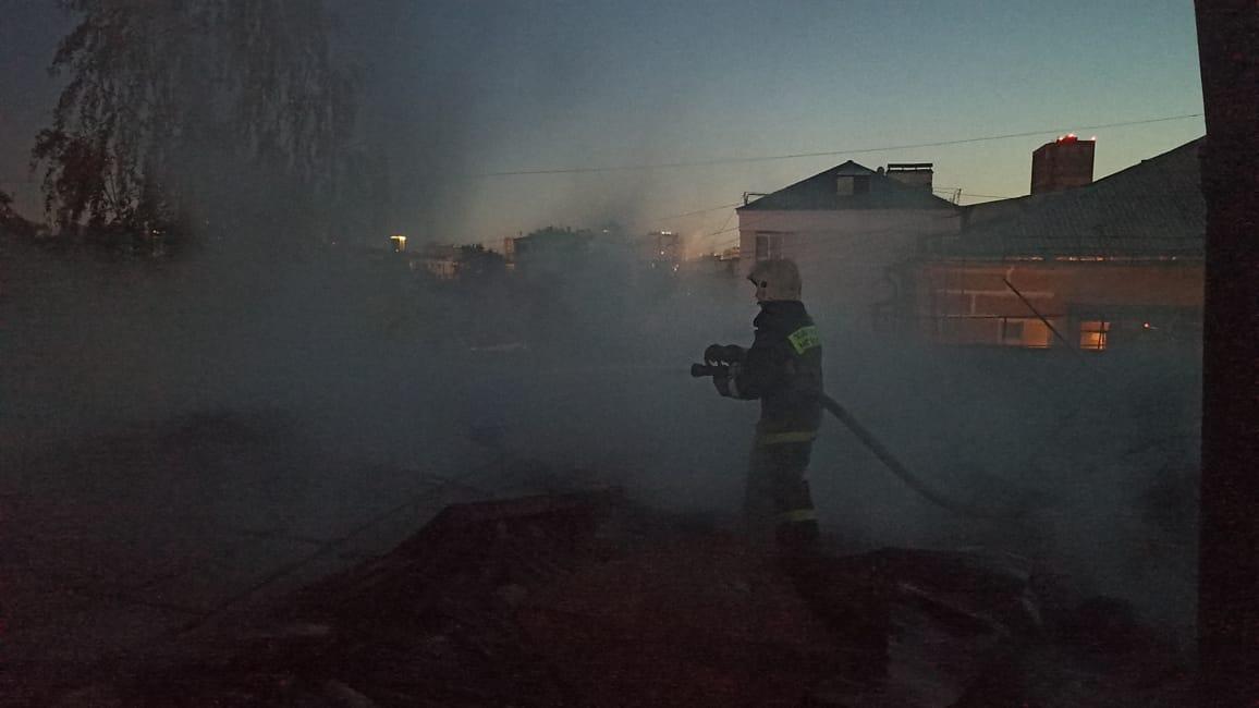 В крупном пожаре в Екатеринбурге погибли два человека
