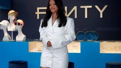 Певица Рианна — миллиардер, утверждает Forbes