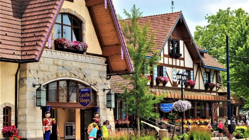 Путешественникам нравится посещать Bavarian Inn во Франкенмуте, штат Мичиган (любезно предоставлено Кеннетом Спонслером / Dreamstime)    Epoch Times Россия