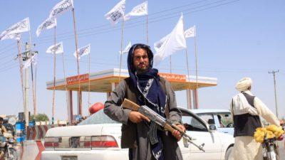 Президент Афганистана бежал из страны, талибы заняли Кабул