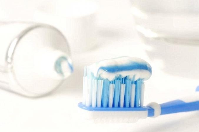 Знаете ли вы, что зубную пасту можно использовать не только для чистки зубов, но и что у неё также есть много других магических применений? (Изображение <a href=