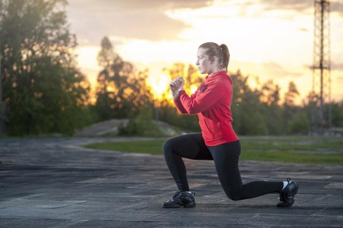 Многие упражнения не требуют ничего, кроме небольшого пространства. (Павел Бирюков / Shutterstock)   Epoch Times Россия