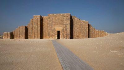 В Египте после реставрации открыли древнюю гробницу фараона Джосера