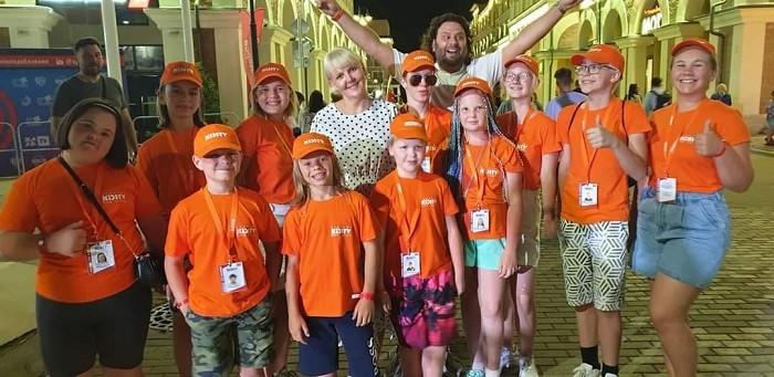 Одарённые дети KIDSTV посетили Музыкальный образовательный форум для детей и подростков АгутинФорум 2021. Красная поляна. Фото предоставлено Надеждой Бухаровой.