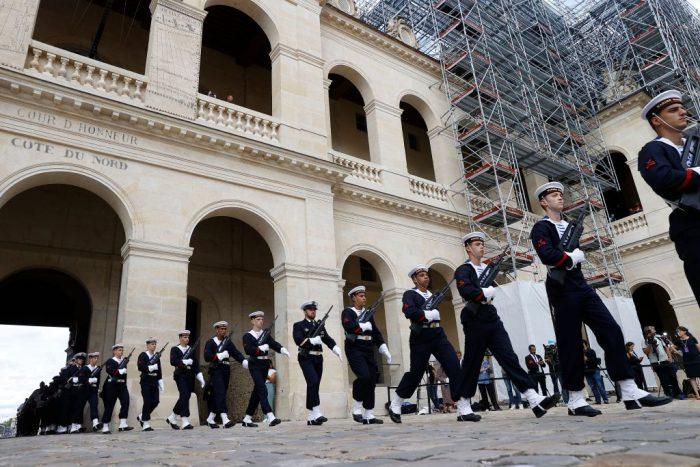 3 4 foto e1631254576257 - Церемония прощания с Жан-Полем Бельмондо завершилась в Париже
