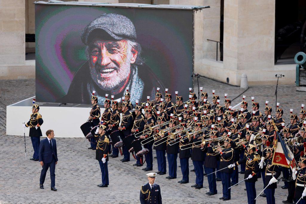 Церемония прощания с Жан-Полем Бельмондо завершилась в Париже