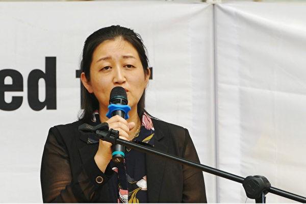 Доктор Чжао, президент Австалийской ассоциации Фалунь Дафа, выступает намитинге вцентре Сиднея 10декабря 2019 года, вМеждународный день прав человека. (AnPingya/The Epoch Times)