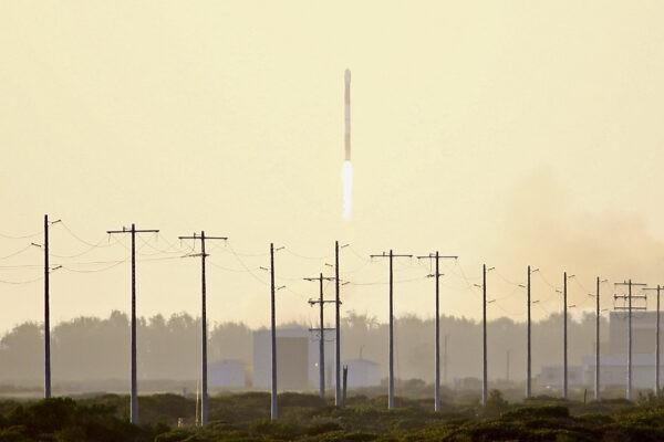 6 2 foto - Американская ракета Alpha взорвалась над Тихим океаном