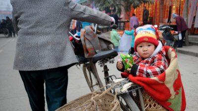 Китаянка разоблачила тайную сеть по торговле детьми в больницах