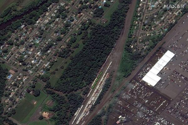 Спутниковый снимок Манвилля, штат Нью-Джерси, до наводнения 25 августа 2021 г. Maxar Technologies via AP