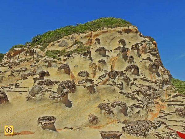 Удивительный «Холм двадцати четырёх примеров сыновней почтительности» в геопарке Елю. (Billy Shue via Nspirement)