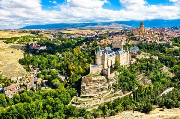 Алькасар в Сеговии, средневековый замок в Кастилии и Леоне, Испания. (Leonid Andronov via Dreamstime)