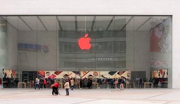 Недавно компания Apple зарегистрировала рекордный второй квартал 2021 года, поскольку доходы от продаж в Китае подскочили на 87,5% по сравнению с прошлым годом и составили $17,7 млрд, сообщает Apple Insider. (Изображение: Junyi Lou через Википедию)
