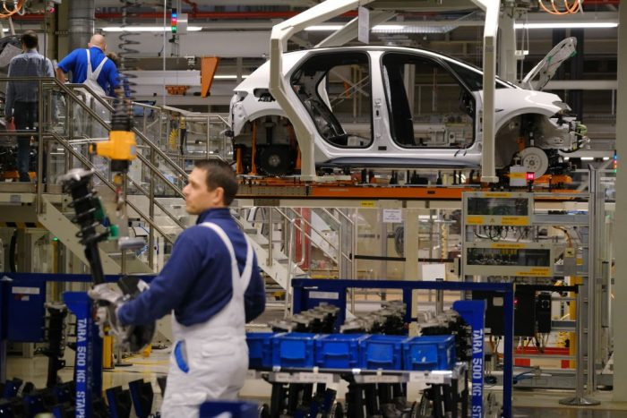 Завод Volkswagen в Калуге сократит производство из-за дефицита микрочипов