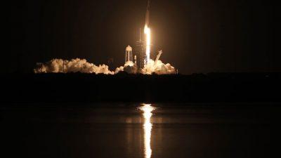 Ракета Falcon 9 вывела на орбиту корабль Crew Dragon с гражданским экипажем