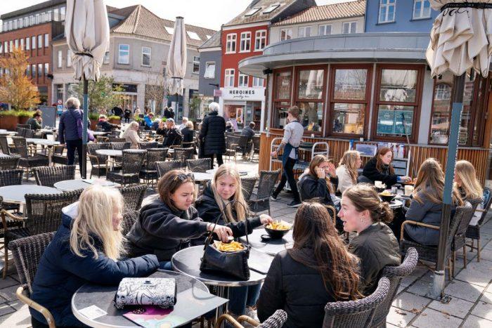 Дания сняла последние ограничения по COVID-19