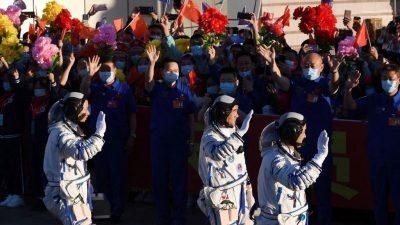 В Китае приземлилась капсула космического корабля «Шэньчжоу-12» с тремя космонавтами