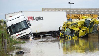 Из-за ливней и наводнений в 12 департаментах Франции объявлен режим чрезвычайной ситуации