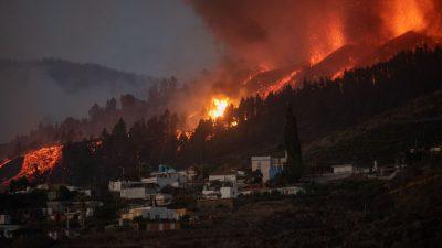 Около 5000 жителей эвакуировали на Канарских островах из-за извержения вулкана