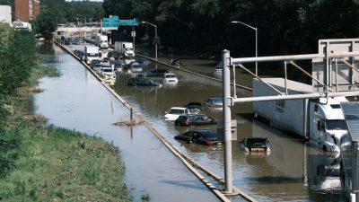Президент США ввёл режим ЧС в пострадавших от наводнений регионах