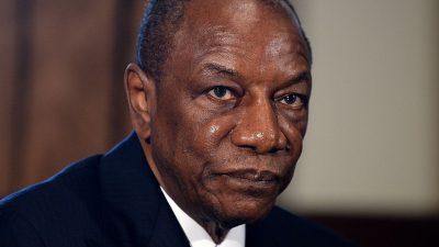 В Гвинее военные мятежники захватили президента и устроили госпереворот
