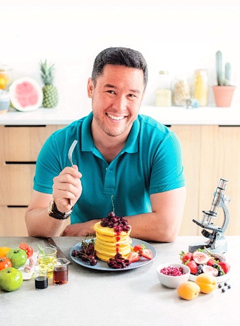 Джеймс Вонг, ботаник и соведущий программы PBS «Вкусная наука», питает страсть к растениям и еде. (С любезного разрешения Sterling Epicure)