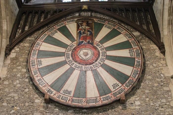 Копия знаменитого Круглого стола из легенды о короле Артуре в Уинчестерском замке. (Wibke Carter)