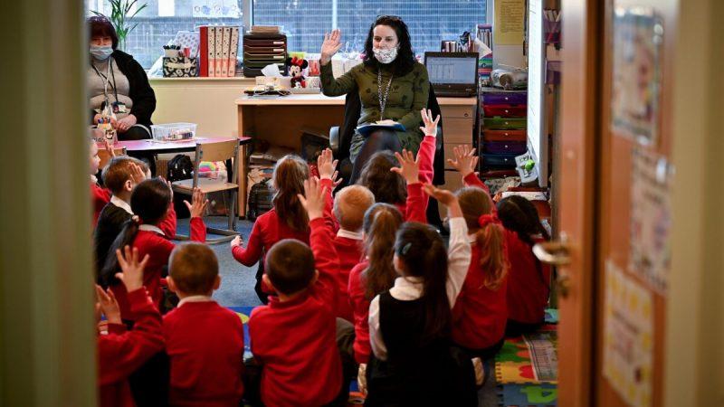 Scotland school 1200x798 1 800x450 - Учителя не подвержены повышенному риску COVID-19, заявили британские учёные