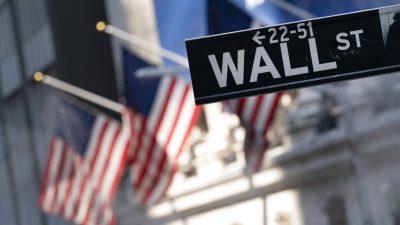 Пульс рынка: мировые акции падают, фьючерсы на Уолл-стрит снижаются, доллар растёт