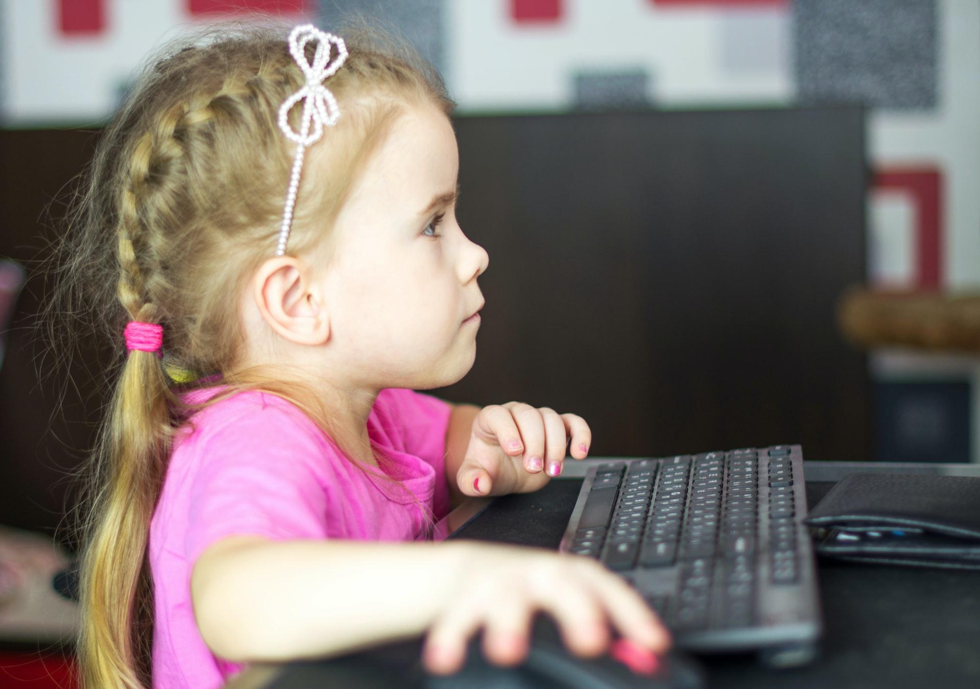 Крупнейшие интернет-компании России подписали хартию по защите детей в Сети