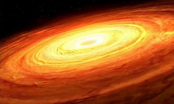 Рисунок художника, изображающий вращающийся аккреционный диск вокруг невидимой сверхмассивной чёрной дыры. Процесс аккреции приводит к случайным колебаниям светимости диска с течением времени, и эта закономерность, как выяснилось, связана с массой чёрной дыры в новом исследовании, проведённом учёными из Университета Иллинойса Урбана-Шампейн. (Изображение: Марк А. Гарлик / Фонд Саймонса)  | Epoch Times Россия
