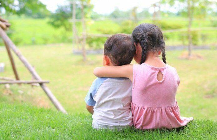 Если и существуют крепкие отношения, то только между братом и сестрой. (Golfxx via Dreamstime)   Epoch Times Россия