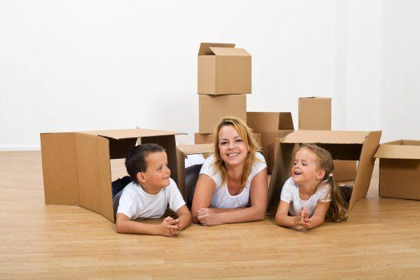 Как увлечь детей игрой в коробки