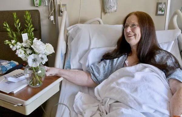 Пожилые пациенты сочли эту идею трогательной ипоблагодарили врача заеёстарания. (Изображение: Twitter)