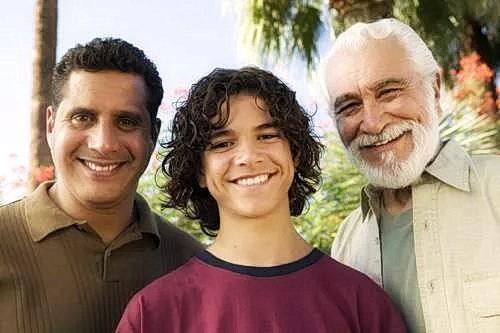 Самое главное правило семьи — уважение к родителям и старшим. (Изображение: moodboard via Flickr)